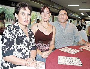 Martha de Garza Tijerina, Ana Elisa de Garza Tijerina y Héctor Garza Tijerina.