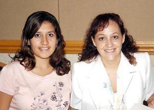 Mayté Nogueda y Sabrina Ramírez.