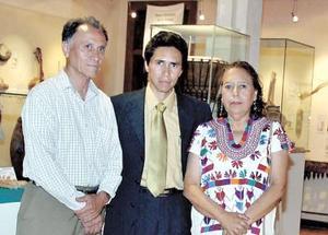 Adolfo Perales, Armando Perales y Norma de Perales.