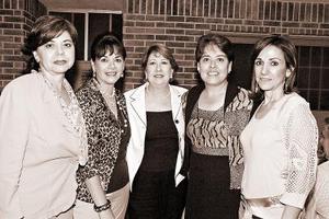 Dora Juárez, Letty de Campos, María del Carmen de Silerio, Margarita de Villarreal y Silvia de Dávila.