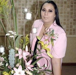 Contesina Cabello Perales fue festejada con una alegre despedida con motivo de su próxima boda.
