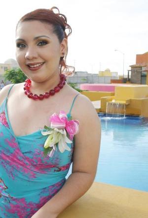 Érika Vanessa Sánchez Ramírez fue despedida de su vida de soltera con una agradable reunión, ya que el próximo 24 de septiembre contraerá nupcias con Víctor Mena Saldaña..