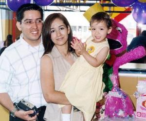 Sofía Ortega Chávez celebró su segundo cumpleaños en compañía de sus padres, José Luis Ortega Jiménez y Doriam Chávez Soto.