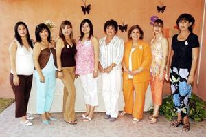 Acompañada  de amigas y familiares, Diana Estefanía Acevedo Jardón festejó la futura llegada de su primer bebé.