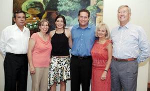 William y Nadine Peterson, Jesús Angulo Félix y María del Carmen Miñarro de Angulo, junto a los felices novios.