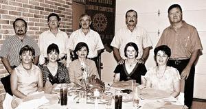 Jorge Campa, Roberto Villarreal, José Alfonso Dávila, Eugenio Román, Ignacio Chong, acompañados de sus esposas.