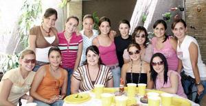 Luisa Fernanda Espada Ruenes celebró su cumpleaños con una fiesta a la que fueron invitadas amigas y familiares.