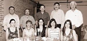 Pedro Facio, Norma de Facio, Jorge y Martha Campos, Fernando y Mariela Gómez, Carlos y Yolanda Trasfí, Flor y Luis Manuel de la Cueva.