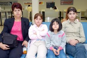 Elia Mendoza, Karla Berenice y Yulisa viajaron a Chicago.