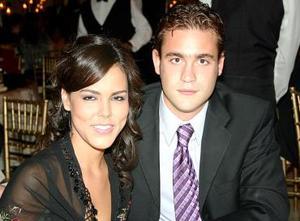 Alejandra de Muela y Carlos Muela.