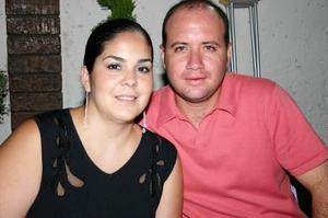 <b>14 de agosto 2005</b><p> Valeria y Guillemo Hernández.