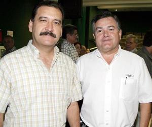 <b>15 de agosto 2005</b><p> Miguel Wong y Othon Zermeño.