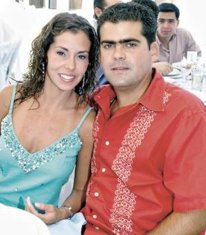 <b>15 de agosto 2005</b><p> Sabrina y Ángel Sobrino.
