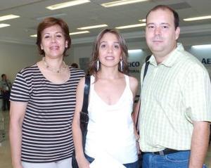 Juan Carlos y Ana Cris Menéndez viajaron a Puntamita, los despidió Esperanza de Aranda