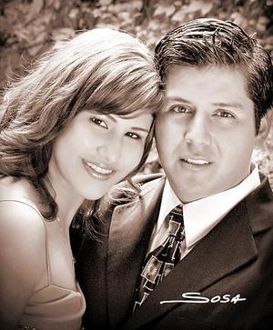 Saúl Nájera Márquez y Srita. Verónica Ávila Woo efectuaron su presentación religiosa el sábado seis de agosto