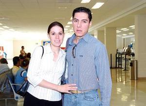 <b>18 de agosto 2005</b><p> Juan Pablo Lavín viajó a Culiacán y fue despedido por Citlali Beawegar