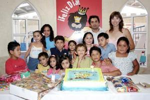 <b>20 de agosto 2005</b><p>  Una fiesta infantil le organizaron a David Ramos, por su séptimo cumpleaños