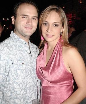 <b>20 de agosto 2005</b><p>  Polo González y Claudia Rueda.