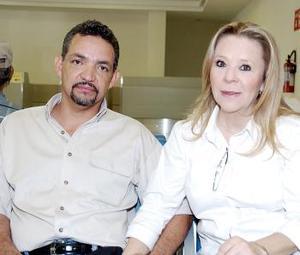 <b>20 de agosto 2005</b><p> Ricardo Treviño y ángeles Moya viajaron con destino a Tijuana