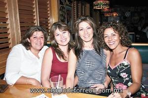 Ana Laura Borrego, M[onica Miranda, Verónica Martínez y Paty Borrego.