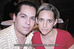 Fernando Santacruz y Lizbeth Ochoa de Santacruz