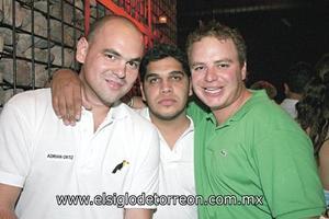Adrián Ortiz, Tito Valdés y Pepe Jiménez