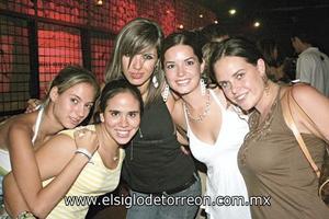 Y ¡LLEGÓ LA NOCHE! Marigaby Gutiérrez, Cristina Campos, Marién Barrientos, Luisa Espada y Alexis Navarro