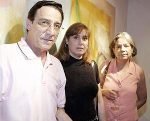 Fernando Cepeda, Lilia Llamas de Cepeda y Paty  Vargas.