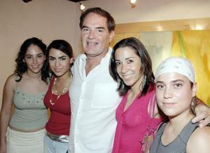 Laura Valles, Ale Soltero, Armando Meléndez, Sofía Soltero y Daniela Rodríguez.
