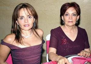 Lupita de Martínez y Luly de Briones.