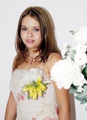 <b>21 de agosto 2005</b><p>  Liliana Oviedo Mireles captada en la despediad de soltera que le ofrecieron por su cercano matrimonio con César Guerrero Ruiz.