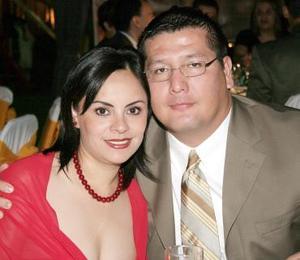 <b>21 de agosto 2005</b><p> Víctor y Brenda Marrufo.