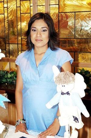 <b>21 de agosto 2005</b><p> María Luisa Berumen Mena espera el nacimiento de su primer bebé para el próximo mes de septiembre.