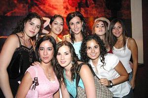 Brenda Dávila, Selina Viesca, Nora González, Claudia Torres, Betty Fernández, Julia Peña, Daniela Cepeda y Mónica Ochoa.