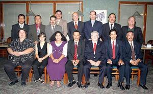 El Colegio de Médicos Veterinarios Zootecnistas Profesionales de Especies Menores de la Comarca Lagunera A.C. efectuó el cambio de mesa directiva y  celebró diez años de historia.