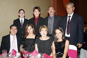 Ricardo Silerio, Lorena de Silerio, José Alberto Rivera, María del Carmen de Silerio, Mary Carmen Rivera, Néstor Hernández, José Alberto Rivera y Arturo Silerio.