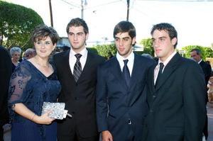 <b>22 de agosto 2005</b><p> Mary Carmen  Calleja, Germán, Eddy y Diego Sesma.