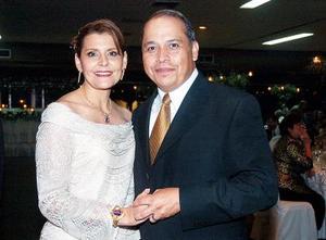 <b>23 de agosto 2005</b><p> Yasmín y Jorge Darwich.
