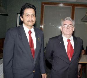 Miguel Navejas Jiménez y Pablo Antonio Morfin de la Cruz, en reciente cambio de directiva.