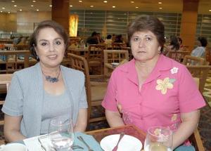 Norma Aguayo de Duarte y Nivia Hamdan de Aguilera, en reciente convivio.