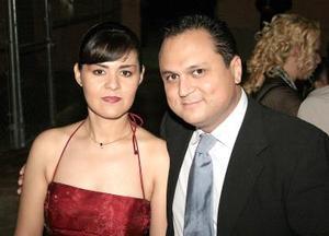 Graciela de Arias y Joaquín Arias.