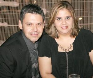 José Esquivel y Martha de Esquivel.