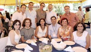 <b>24 de agosto 2005</b><p> Lucila Mijares, Trini Mesón, Esperanza García, Andrés Anaya, Milagros Pavón, Yolanda, Alberto López, Ricardo García, Darío Jiménez,m Carlos Cuerda y Antonio Garza.