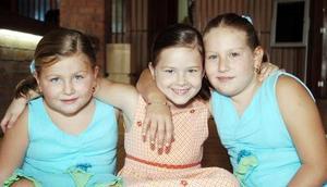 <b>25 de agosto 2005</b><p> Ángela Hamdan, Sofía Guadiana y Natalia Hamdan.