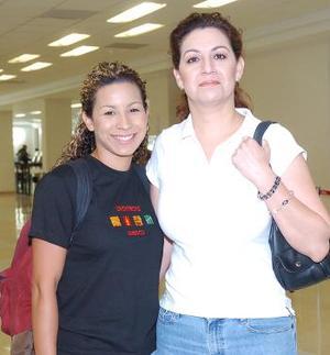 Laila y Karla Valdez, viajaron a Tijuana.