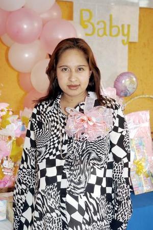 <b>26 de agosto 2005</b><p> Karla Paulina Alvarado Piedra espera el nacimiento de su primera bebé.