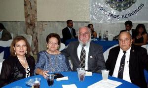 Horte de Dávila, Clelia de Morales, Alejandro Morales y Eduardo Dávila.