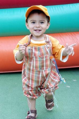 Adrián Licerio, en reciente festejo infantil.