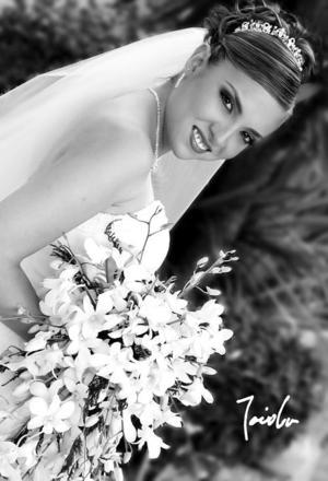Ing. Adriana Yáñez Quiñones, el día de su boda con el Lic. Víctor Manuel Montaño Chávez.