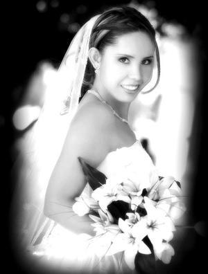 Srita. Laura Samantha Fernández Campa, el día de su enlace matrimonial con el Sr. Enrique Gámez y Núñez    <p> <i>Estudio fotográfico: Maqueda</i>